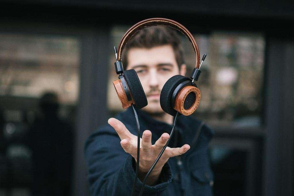 Kupujemy słuchawki - co, jak, gdzie