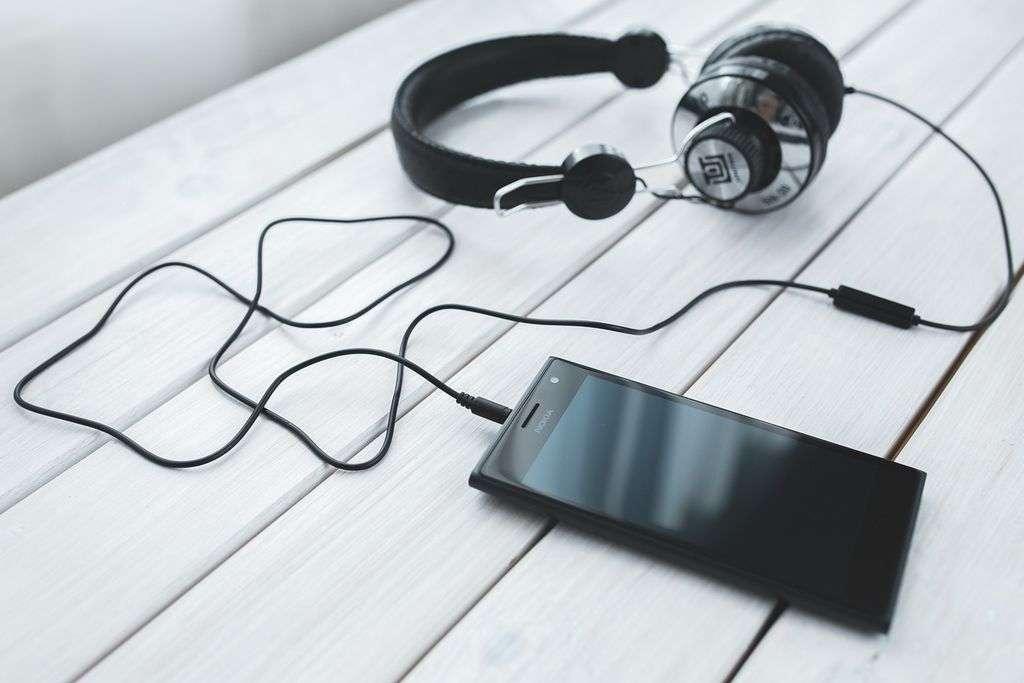 Muzyka ze smartfona - jak robić to dobrze?
